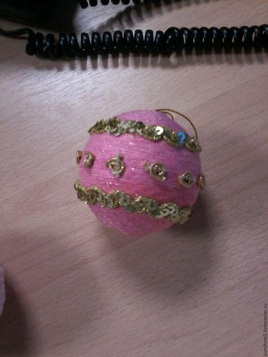 Новый год 2017 ручной работы. Ярмарка Мастеров - ручная работа. Купить елочное украшение розовый шар с золотым декором. Handmade.