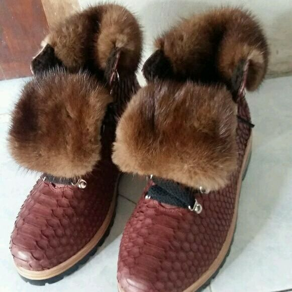 c26bbec91b3d Ботинки из питона с мехом норки