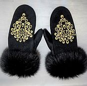 Аксессуары handmade. Livemaster - original item Cashmere mittens with fur and embroidery. Handmade.