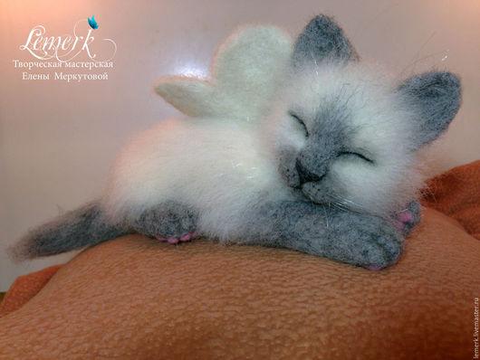 Игрушки животные, ручной работы. Ярмарка Мастеров - ручная работа. Купить Спящий ангел. Валяный невский маскарадный котенок. Handmade.