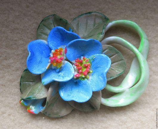 """Броши ручной работы. Ярмарка Мастеров - ручная работа. Купить Фарфоровая брошь """"Летние цветы"""". Handmade. Голубой"""