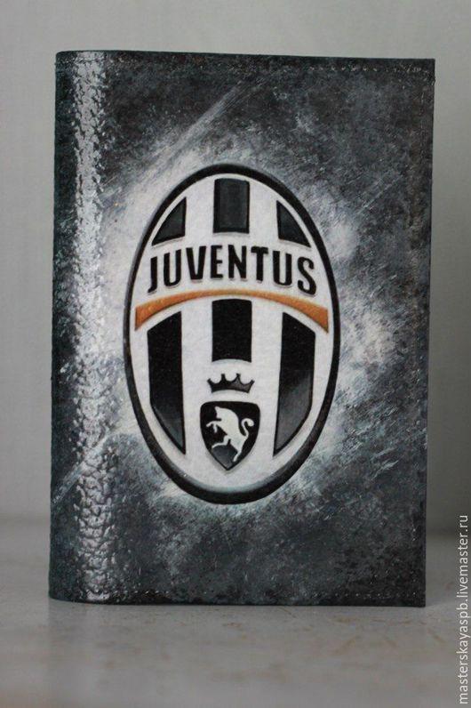 """Обложки ручной работы. Ярмарка Мастеров - ручная работа. Купить Обложка на паспорт """"Juventus"""" (двухсторонняя). Handmade. Чёрно-белый"""
