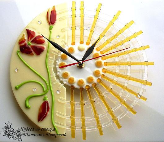Часы для дома ручной работы. Ярмарка Мастеров - ручная работа. Купить настенные часы ЛУЧЕЗАРНЫЕ, фьюзинг, стекло. Handmade. Разноцветный