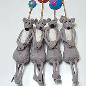 Куклы и игрушки ручной работы. Ярмарка Мастеров - ручная работа Магнит на холодильник «Мышь повесилась» малая, валяние. Handmade.