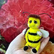 Куклы и игрушки ручной работы. Ярмарка Мастеров - ручная работа Пчелка из шерсти. Handmade.