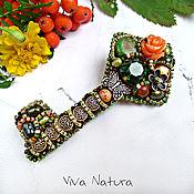 """Украшения ручной работы. Ярмарка Мастеров - ручная работа Брошь """"Ключ лесной феи"""" с камнями и кристаллом Swarovski. Handmade."""