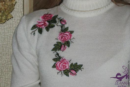 """Кофты и свитера ручной работы. Ярмарка Мастеров - ручная работа. Купить Вышивка на готовой водолазке """"Розовый куст"""" или на другой одежде. Handmade."""