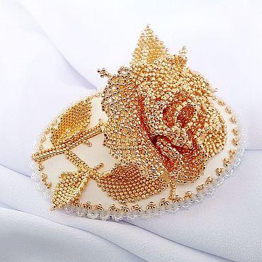 Свадебный салон ручной работы. Ярмарка Мастеров - ручная работа GOLDEN ROSE -роза-брошь из гальванизированного японского бисера. Handmade.