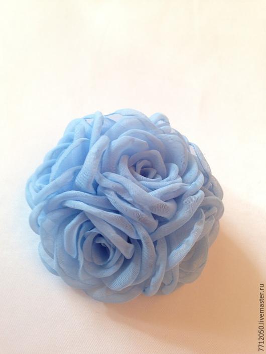 брошь из шифона бледно-голубой нежно-голубой брошь из роз необычная брошь голубое облако подарок на любой случай оригинальное украшение для девушки для женщины