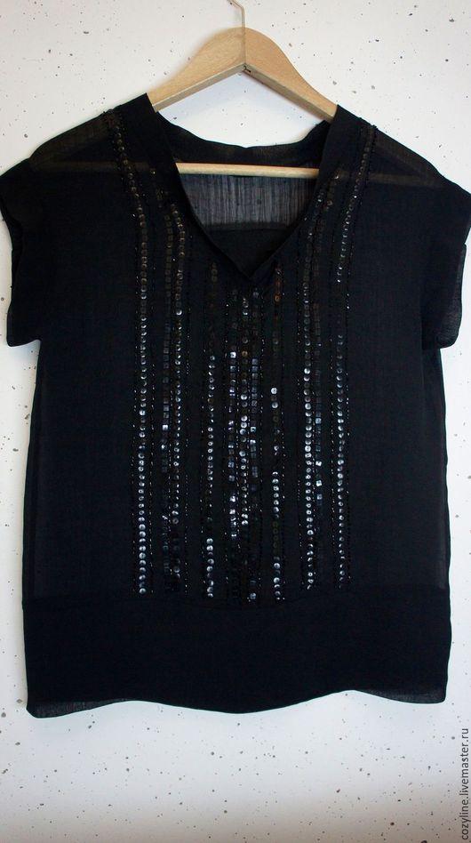 Блуза с баской,расшитая спереди бисером и пайетками