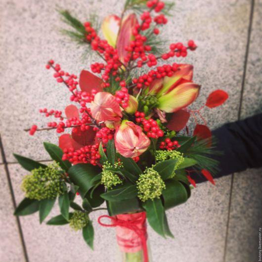 Букеты ручной работы. Ярмарка Мастеров - ручная работа. Купить Букет цветов _012. Handmade. Ярко-красный, ягоды и листья