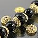 Шапочки для бусин усыпанные вклеенными ювелирными стразами с покрытием имитирующим золото для использования в сборке украшений комплектами по 2 штуки
