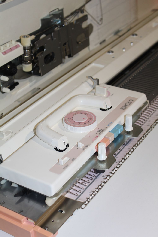 Brother KH260, 3 класса вязальная машина, в отличном состоянии ,Япония, Инструменты для вязания, Хабаровск,  Фото №1