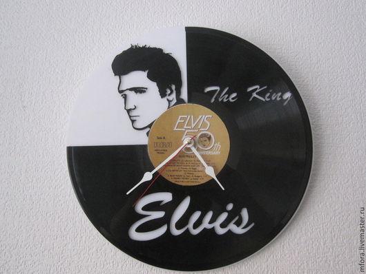 """Часы для дома ручной работы. Ярмарка Мастеров - ручная работа. Купить Часы """"Элвис Пресли"""". Handmade. Чёрно-белый"""