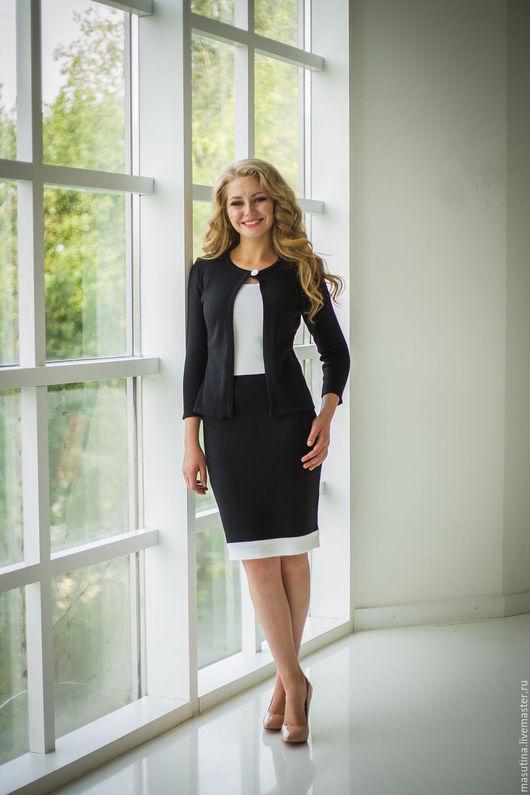 Женский костюм черно белый