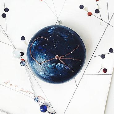 Для дома и интерьера ручной работы. Ярмарка Мастеров - ручная работа Деревянная шкатулка круглая созвездие Скорпион с кристаллами Swarovski. Handmade.