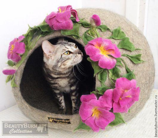 Аксессуары для кошек, ручной работы. Ярмарка Мастеров - ручная работа. Купить Домик войлочный для кошек и собак. Handmade. Фуксия, Норка