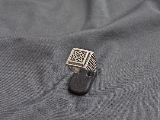 Кольцо `Звезда Руси` выполненное в серебре -отличный талисман.