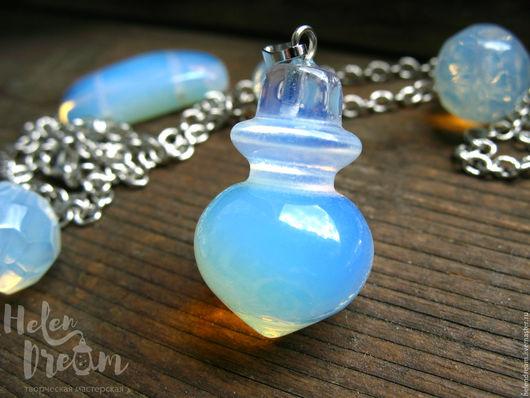 """Кулоны, подвески ручной работы. Ярмарка Мастеров - ручная работа. Купить Кулон """"Квинтэссенция"""" из лунного камня - бутылочка. Handmade. Голубой"""