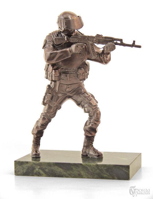 Статуэтки ручной работы. Ярмарка Мастеров - ручная работа. Купить Спецназовец. Handmade. Воин, спецназ, армия, скульптура, комбинированный, бронза