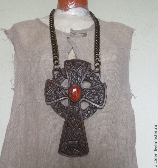 Готика ручной работы. Ярмарка Мастеров - ручная работа. Купить Кельтский крест из натуральной кожи с натуральным камнем. Handmade. Черный