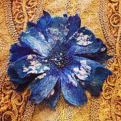 Украшения ручной работы. Ярмарка Мастеров - ручная работа Синий иней брошь-цветок из шерсти. Handmade.