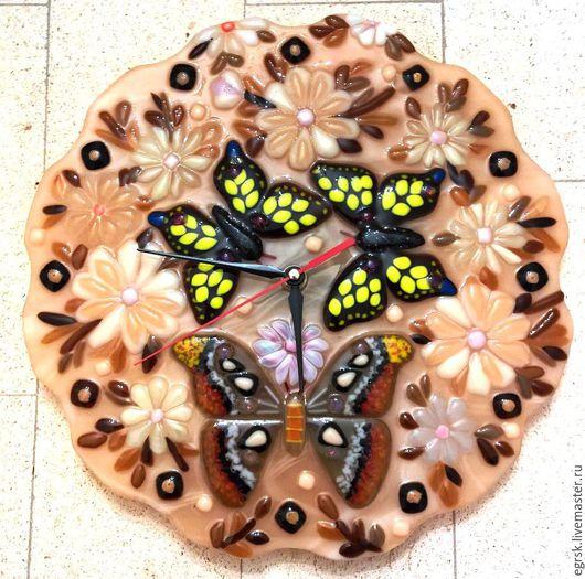 """Часы для дома ручной работы. Ярмарка Мастеров - ручная работа. Купить Часы """"Attacus atlas"""" фьюзинг. Handmade. Бежевый"""
