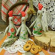 Подарки к праздникам ручной работы. Ярмарка Мастеров - ручная работа Петушок ли курочка? Декоративная текстильная игрушка в народном стиле. Handmade.