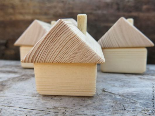 Вальдорфская игрушка ручной работы. Ярмарка Мастеров - ручная работа. Купить Деревянный домик с трубой. Handmade. Деревянный домик, дом