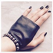 Аксессуары handmade. Livemaster - original item Grey leather fingerless gloves with pearl beads, Avtoledi. Handmade.