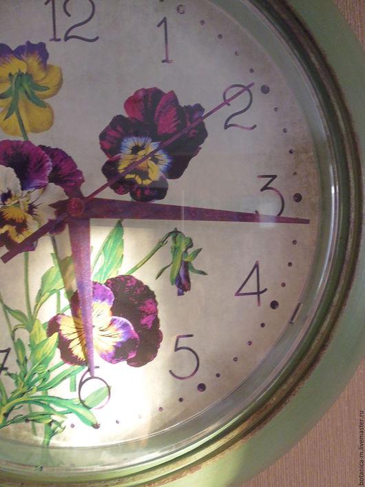 """Часы для дома ручной работы. Ярмарка Мастеров - ручная работа. Купить """"Анютины глазки"""" Часы настенные винтаж, ретро. Handmade."""