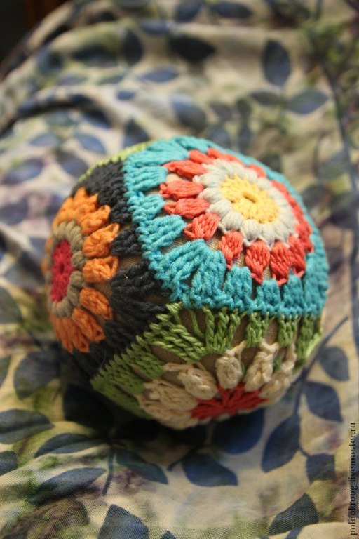 Развивающие игрушки ручной работы. Ярмарка Мастеров - ручная работа. Купить Мячик-погремушка вязаный. Handmade. Разноцветный, вязаная игрушка