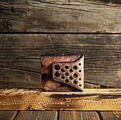 Кошельки ручной работы. Ярмарка Мастеров - ручная работа Кошелёк из сыромятной кожи красного цвета. Handmade.