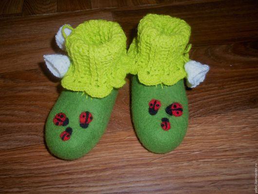 """Обувь ручной работы. Ярмарка Мастеров - ручная работа. Купить Детские пинетки -тапочки""""Зеленая травка"""". Handmade. Ярко-зелёный, кардочёс"""