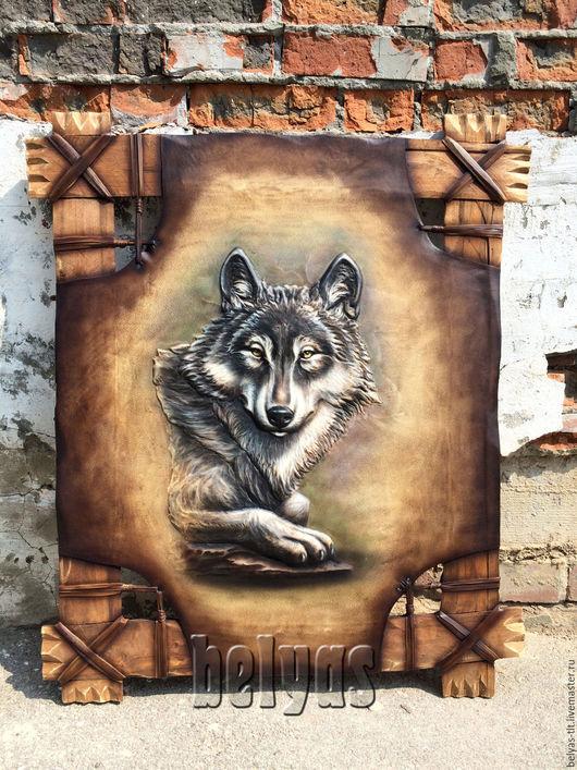 Волк, одно из самых тотемных животных. В первую очередь, высший символ свободы в животном мире, символ самостоятельности. Волк - это и символ бесстрашия.