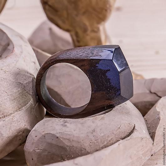 """Кольца ручной работы. Ярмарка Мастеров - ручная работа. Купить Кольцо из дерева и смолы """"Сумерки"""". Handmade. Кольцо, кольцо дерево"""