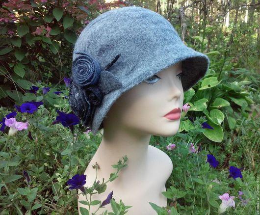 """Шляпы ручной работы. Ярмарка Мастеров - ручная работа. Купить Шляпа валяная клош """"Серая с цветком"""". Handmade. Серый"""