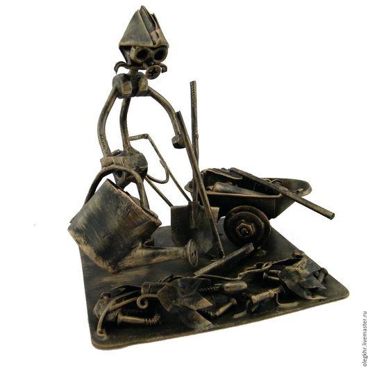 Миниатюрные модели ручной работы. Ярмарка Мастеров - ручная работа. Купить Дачник. Handmade. Скульптурная миниатюра, подарок для врача, гайкаглазые