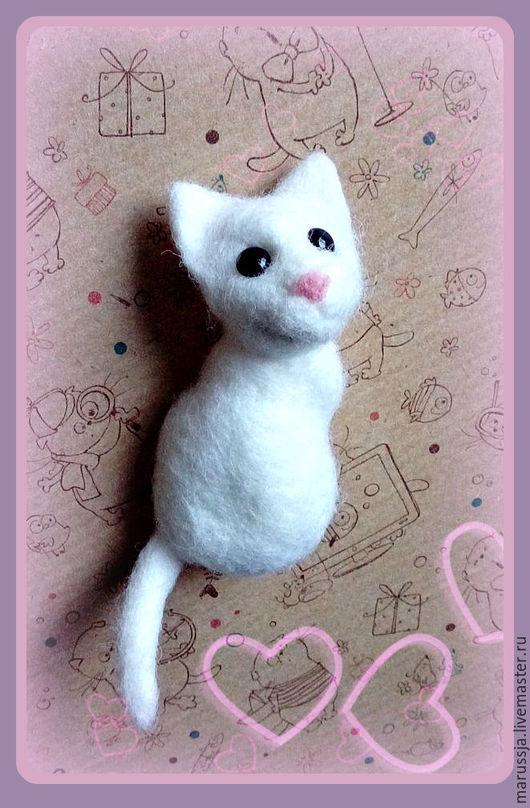Магниты ручной работы. Ярмарка Мастеров - ручная работа. Купить Магнит  на холодильник - игрушка валяние Кошечка. Handmade. Кошка, котик