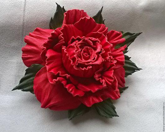"""Броши ручной работы. Ярмарка Мастеров - ручная работа. Купить Брошь """"Красная роза - эмблема любви"""". Handmade. Ярко-красный"""