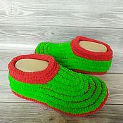 Обувь ручной работы handmade. Livemaster - original item Plush unisex Slippers, bright green with red. Handmade.