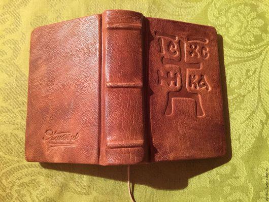 Винтажные книги, журналы. Ярмарка Мастеров - ручная работа. Купить Евангелие. Handmade. Черный, ручная авторская работа, красивый