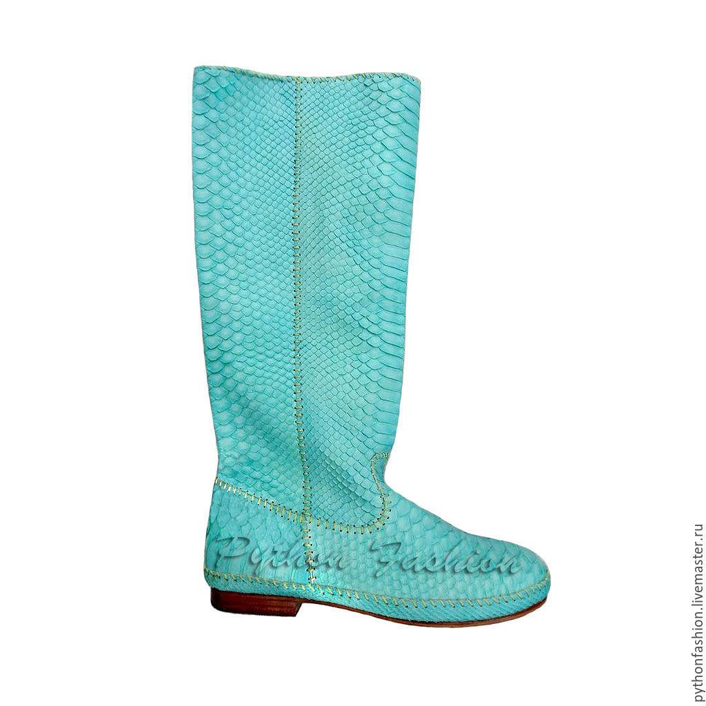 Boots Python skin. Easy boots Python skin low heels. Women boots made of Python handmade. Stylish women's boots with Python skin. Bright boots of the Python custom. Boots Python.