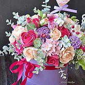 Цветы и флористика ручной работы. Ярмарка Мастеров - ручная работа Цветы в шляпной коробке 33 см (полимерная глина). Handmade.
