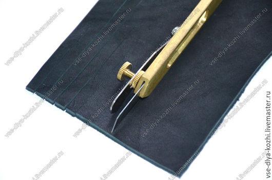 Другие виды рукоделия ручной работы. Ярмарка Мастеров - ручная работа. Купить Нож для нарезки лапши из кожи. Handmade. Золотой