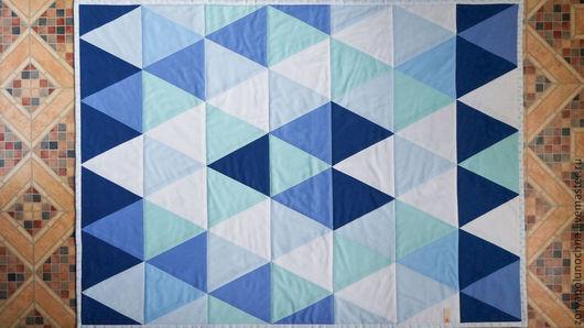 """Пледы и одеяла ручной работы. Ярмарка Мастеров - ручная работа. Купить Детское лоскутное одеяло / покрывало """"Треугольники"""". Handmade."""