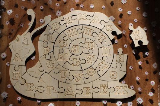 Развивающие игрушки ручной работы. Ярмарка Мастеров - ручная работа. Купить Деревянный пазл Улитка - алфавит. Handmade. Улитка, гравировка