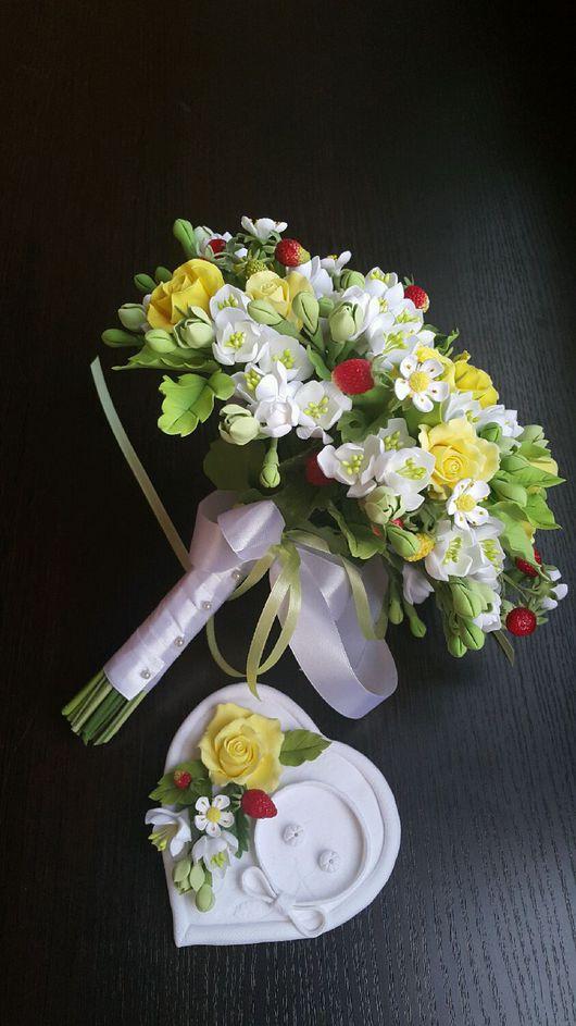 Свадебные цветы ручной работы. Ярмарка Мастеров - ручная работа. Купить Букет и  комплект   аксессуаров для жениха и невесты.. Handmade.