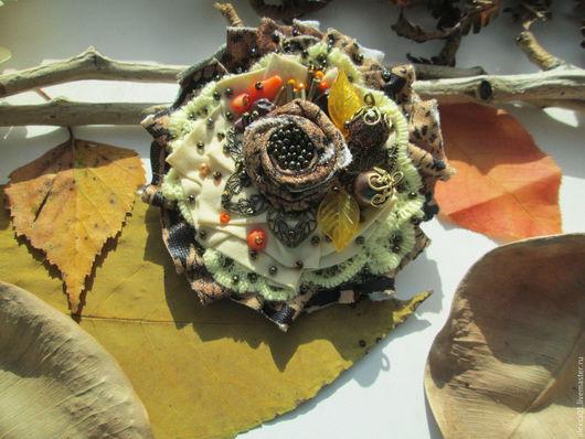 """Броши ручной работы. Ярмарка Мастеров - ручная работа. Купить Мини-брошь """"Поздняя осень"""" с кораллом и яшмой. Handmade. Комбинированный"""