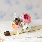 Куклы и игрушки handmade. Livemaster - original item Mini-bouquet with pionowe.roses and ranunculuses in scale 1/12. Handmade.